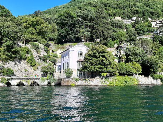 Villa faced on Como Lake villa fronte lago